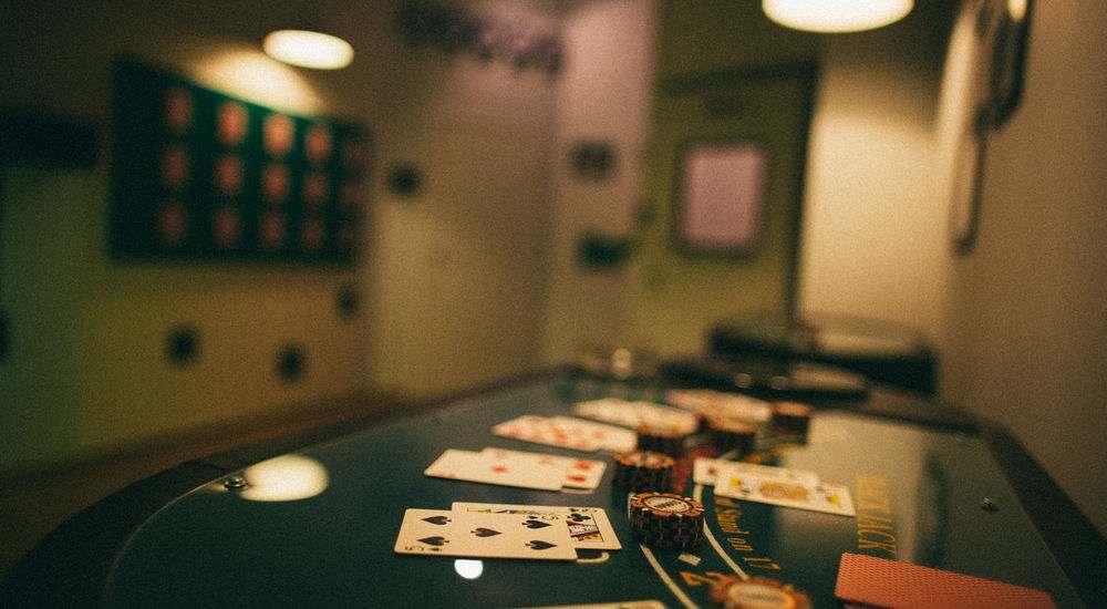 Квест Карты, деньги, два стола в Москве фото 1