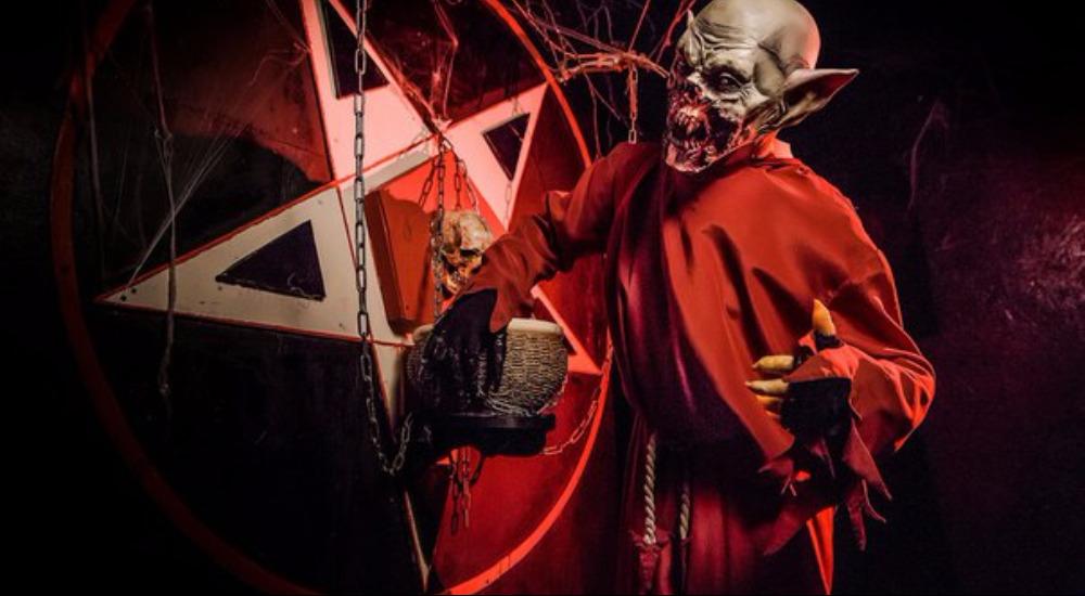 Перформанс Зло: легенды темного мира в Москве фото 0
