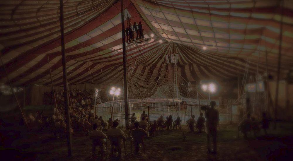 Перформанс Цирк Дю Сатан в Владивостоке фото 0