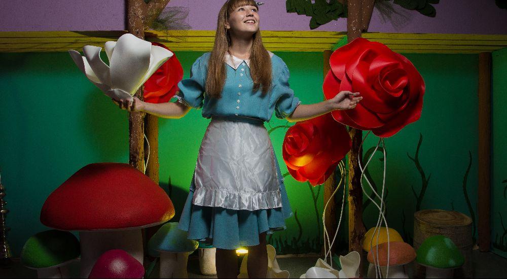 Квест Алиса в стране чудес в Волгограде фото 0