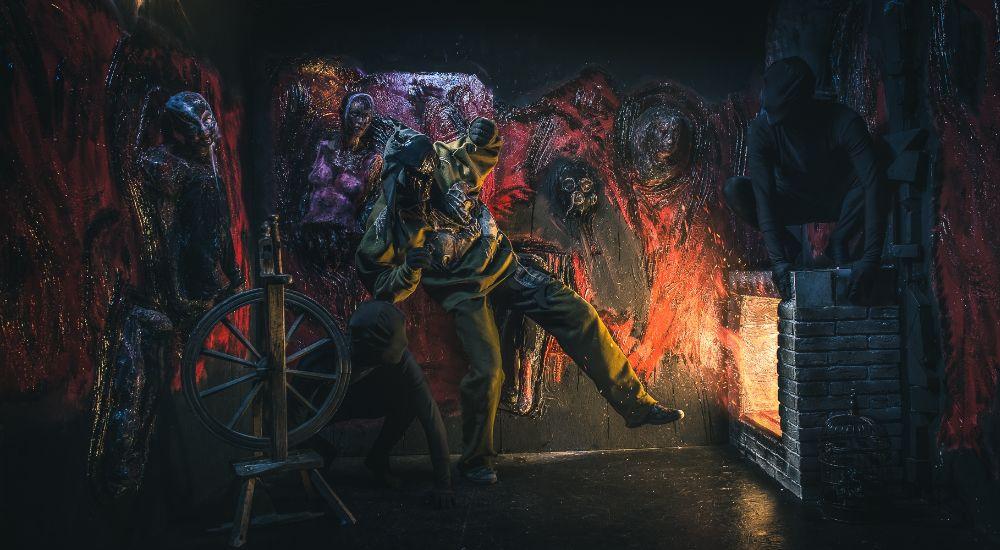 Перформанс Inferno в Москве фото 2