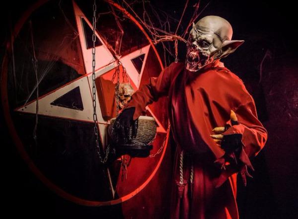 Перформанс Зло: легенды темного мира в Москве