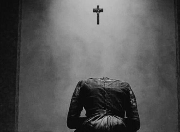 Перформанс Проклятие Монахини в Волгограде
