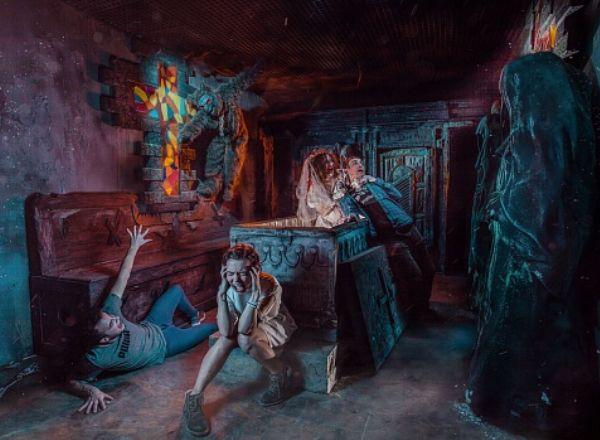 Перформанс Дракула в Москве